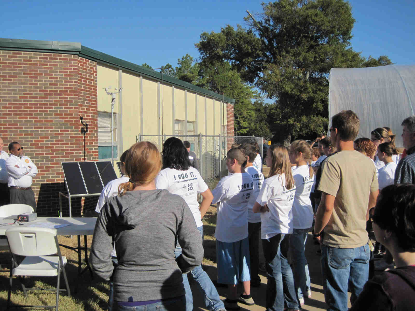 Walte Ellis a member of MAREH and expert in improving educational methods, discusses the importance of learning about technologies like solar energy and the underlying science with students.